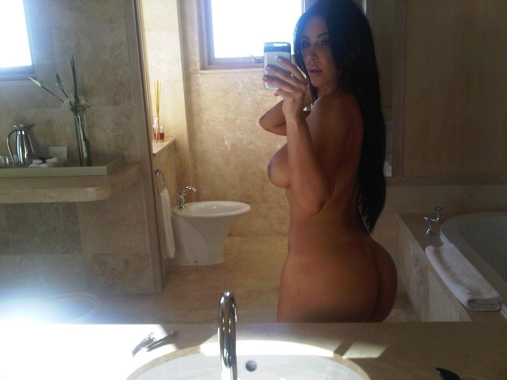 Kim-Kardashian-Naked-02-1024x768
