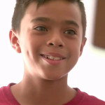 Почтальон собрал библиотеку для нищего мальчика с улицы