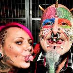 Британец отрезал уши, чтобы быть похожим на попугая