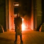 Петр Павленский поджег дверь главного здания ФСБ в России (ФОТО, ВИДЕО)