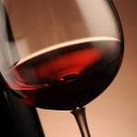 Ученые доказали, что бокал красного вина равносилен тренировке в зале