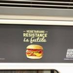 Британская бургерная высмеяла вегетарианцев за то, что те не едят мяса