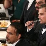 Леонардо Ди Каприо раскритиковали за курение электронной сигареты