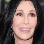 СМИ сообщают: певица Шер находится при смерти