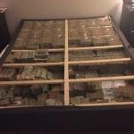 Американская полиция обнаружила под матрасом 20 миллионов долларов