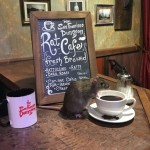 В Сан-Франциско открыли кафе, где по столам бегают крысы