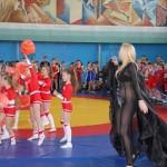 В Нежине перед детьми спела певиц без нижнего белья
