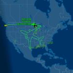 Самолет нарисовал траекторию в виде самолета в воздухе