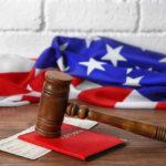 Иммигрант подал в суд на Джеффа Сешнса за задержку интервью на гражданство