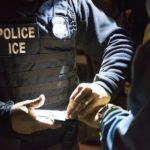 Супруги американских граждан продолжают сталкиваться с арестами на интервью