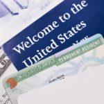 В США могут сократить количество выдаваемых грин-карт