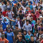 Из Гондураса в США идут 7 тысяч мигрантов. Трамп объявил их преступниками и требует ввести ЧП