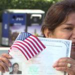Не умея писать и читать, иммигрантка получила американское гражданство