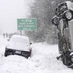 Зимний шторм Брюс охватил Запад США: снежный хаос (фото, видео)