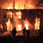 Американка потеряла в пожаре свою дочь. Но спустя 6 лет узнала ее по ямочкам на щеках