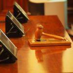 Johnson & Johnson обязали выплатить $8 миллиардов штрафа клиенту, у которого выросла грудь