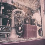 В Америке закрываются тысячи магазинов. Кто виноват?