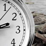 В США переводят часы на зимнее время. Зачем это делают?