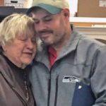 Бездомный нашел на улице $17 тысяч и отдал их благотворительной организации