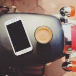Американская компания предлагает отказаться на год от смартфона и получить $100 тысяч