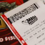 Американец получил выигрышный билет на $1,5 млрд,  уступив очередь в магазине