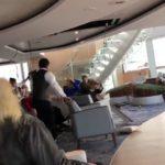 Опубликовано видео качки со сломавшегося вблизи Норвегии круизного лайнера (видео)