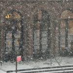 Снежная буря накрыла Нью-Йорк и Бостон. Закрывают школы