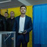 Реакция Зеленского и Порошенко на предварительные результаты выборов президента (видео)