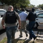 Иммиграционной полицией был проведен самый крупный рейд за последние 10 лет