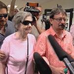 Старушка сорвала $278 миллионов в лотерею и доверила деньги своему сыну. Очень зря