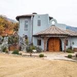 Этот неприметный с виду дом стоит $7,6 миллионов. Загляните внутрь и сразу поймете почему