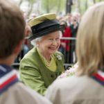 9 странных привычек британской королевы