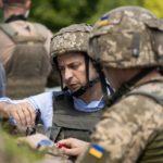 Зеленский впервые посетил передовые позиции ВСУ на Луганщине (фото)