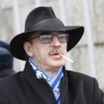 Сын Боярского опубликовал фото с отцом: актер без шляпы практически неузнаваем