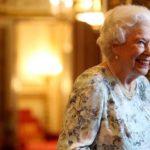 Королевский пранк: Елизавета II разыграла американских туристов