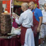 Туристка купила в Израиле шаурму почти за три тысячи долларов