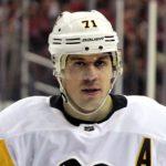 У хоккеиста Евгения Малкина нашли паспорт США. Российские фанаты возмущены