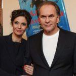 «Я — актриса, а вы — плебеи»: Актриса Лидия Вележева устроила дебош на рейсе в Израиль