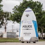 Американка увидела драку и обратилась к роботу-полицейскому. Тот приказал ей «убраться с дороги»