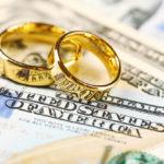 Невеста решила сыграть свадьбу за счет сборов по $1500 с гостей, но реальность оказалась суровой