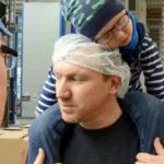 Немец хотел бросить работу из-за больного сына, но коллеги отработали за него 3300 часов