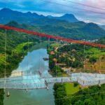 В Китае открыли самый длинный в мире мост из стекла (ВИДЕО)