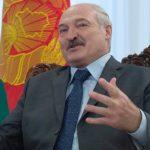 Лукашенко заявил, что протестующие получили сигнал из космоса и пошли к его резиденции
