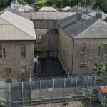 В Британии туристам предлагают на один день стать заключенными в старейшей тюрьме Шептон-Моллет