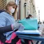 Школьница из Италии протестует против дистанционного обучения