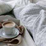 Британский врач рассказал о трех утренних вредных привычках